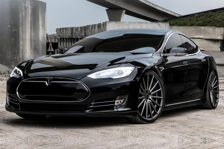 Tesla P85D