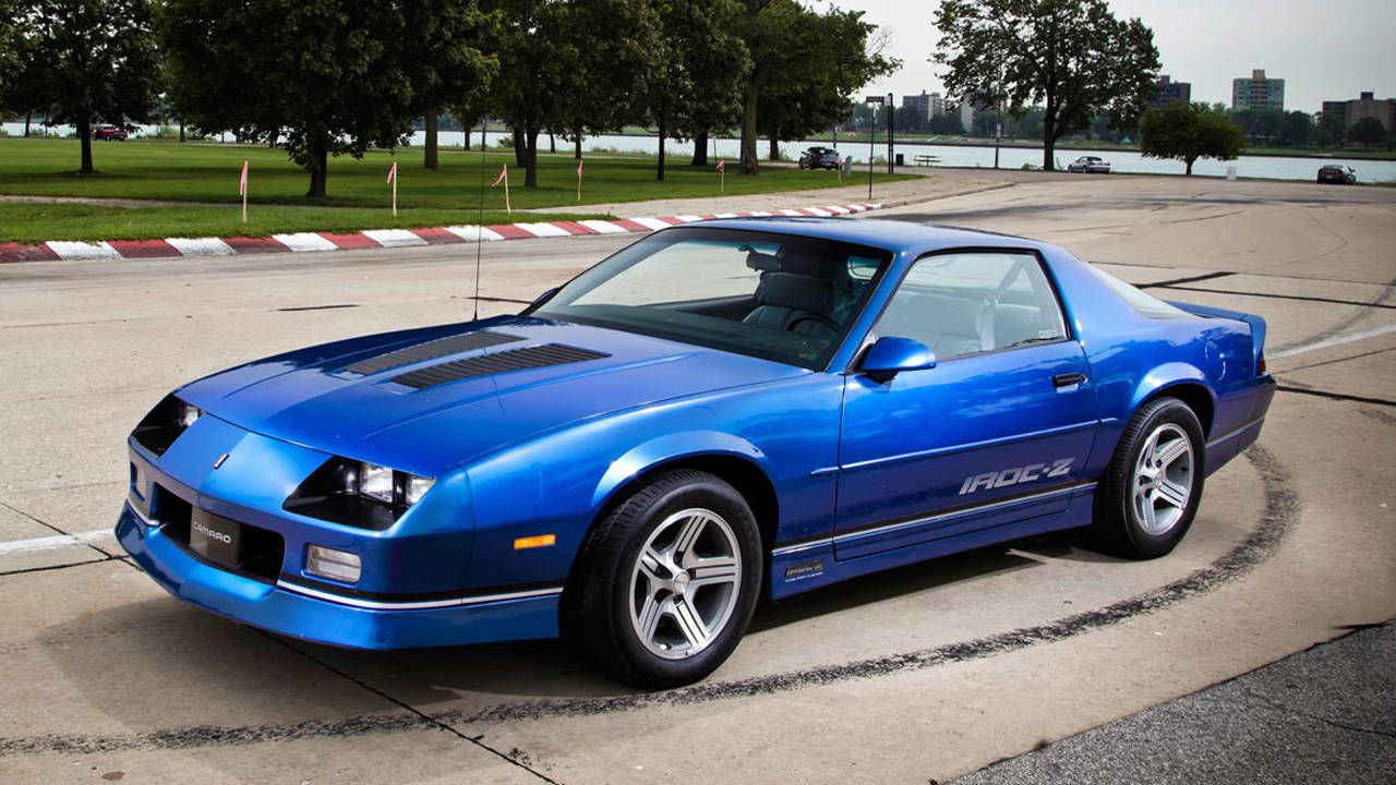 5 Reasons to Buy a Chevy Camaro IROC Z28 Today