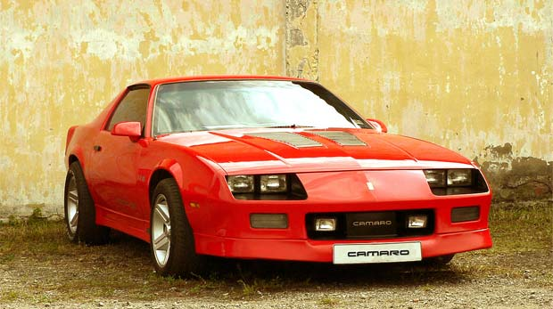 7 Reasons to Buy a Chevy Camaro IROC Z Today