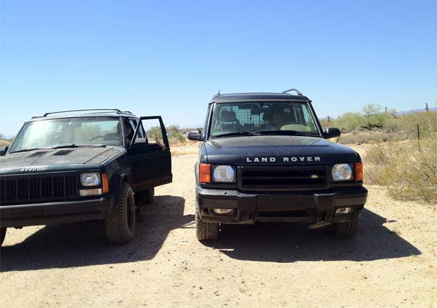 Land Rover Vs Jeep >> Jeep Vs Land Rover Which One Is Actually Better